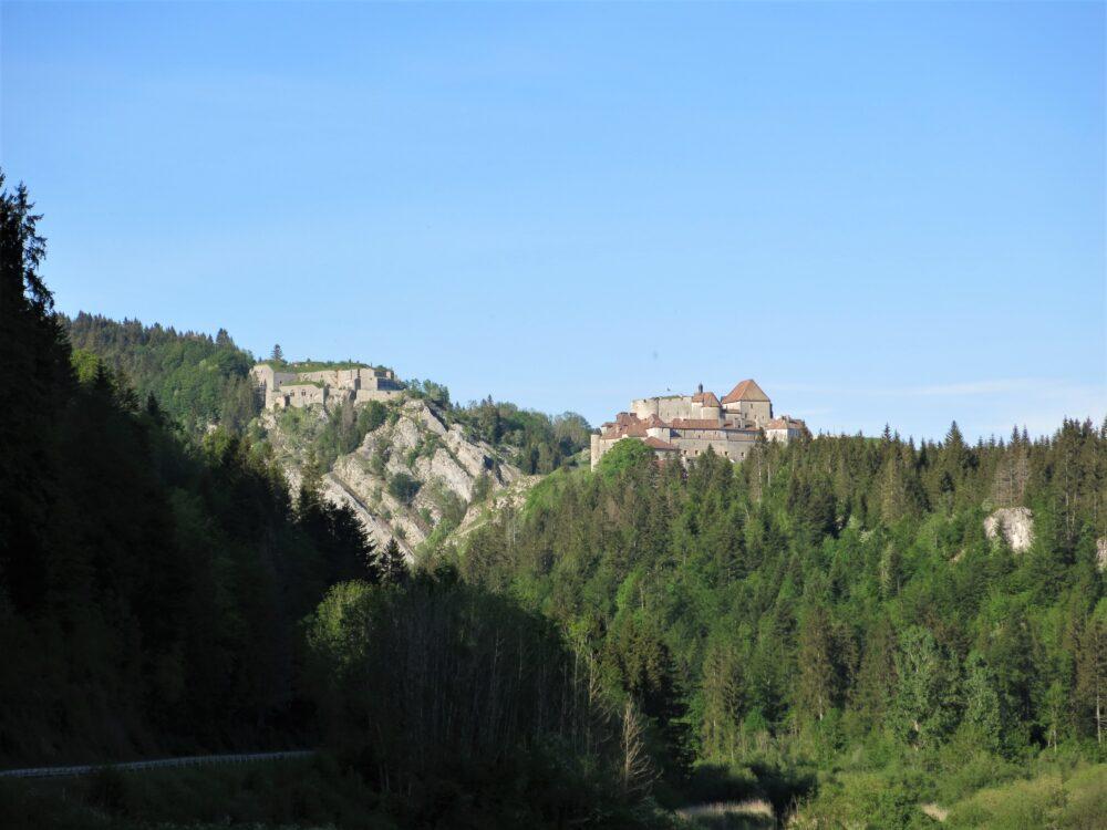 Le château de Joux et le fort Malher