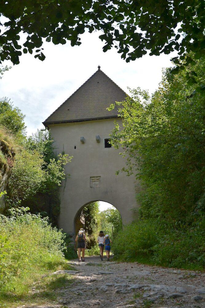 La porte d'octroi à Bourg-de-Sirod