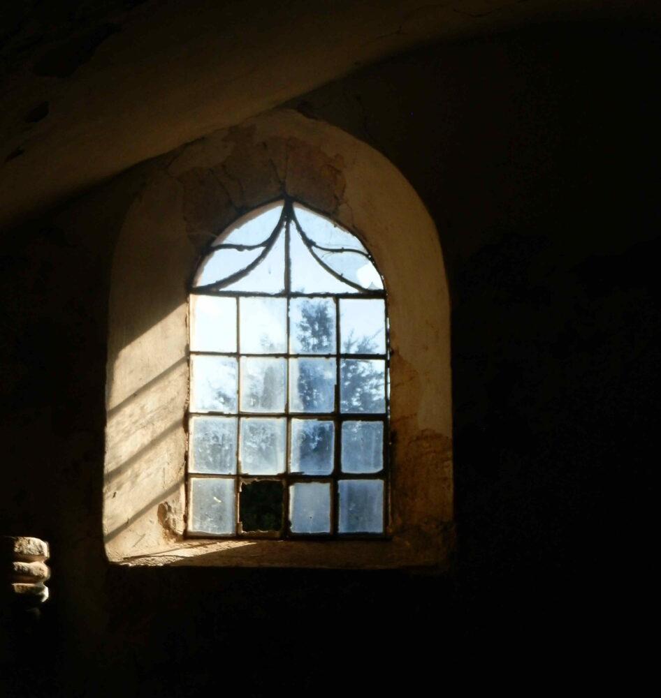 Depuis l'intérieur de l'église Saint Etienne