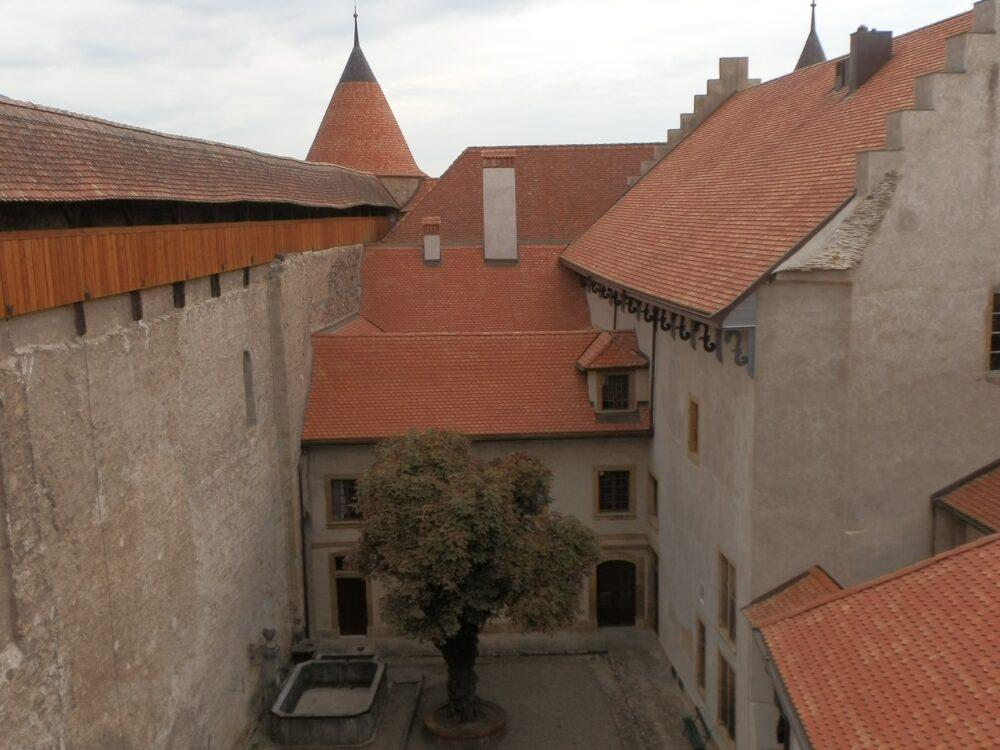 Cour intérieure du château de Grandson