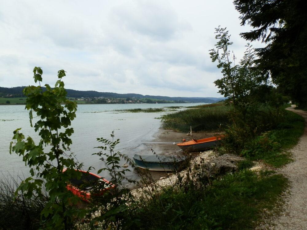 Le lac de Saint-Point, où se jette la source