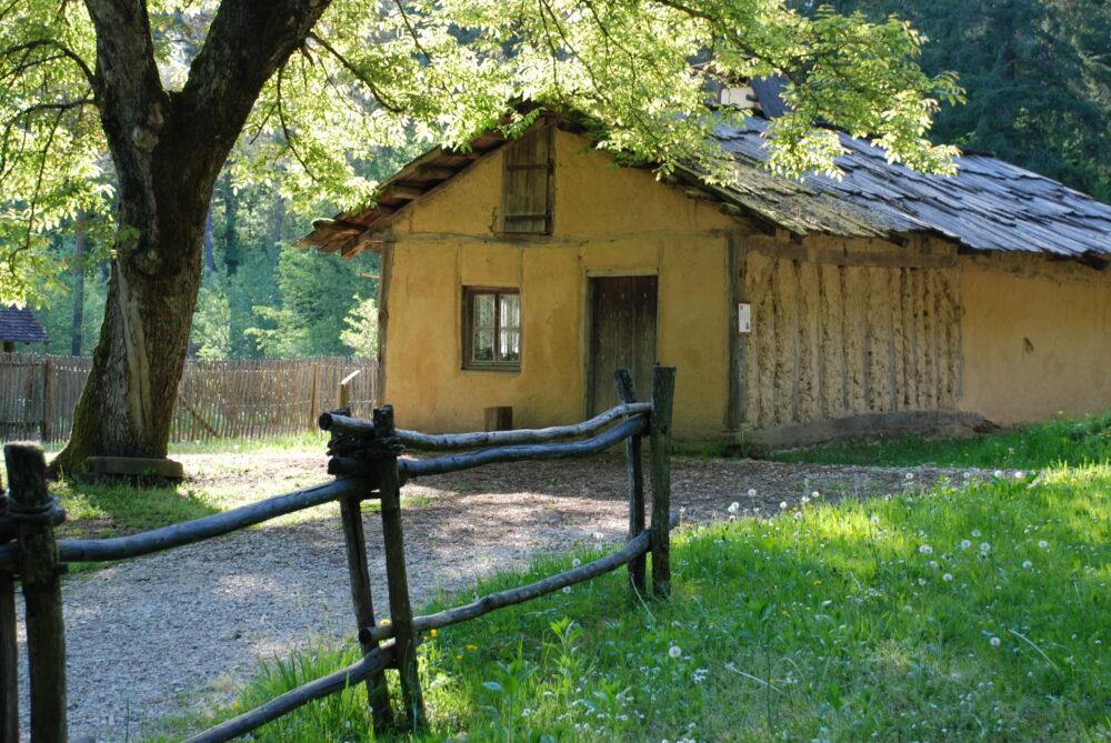 L'une des baraques du hameau 14