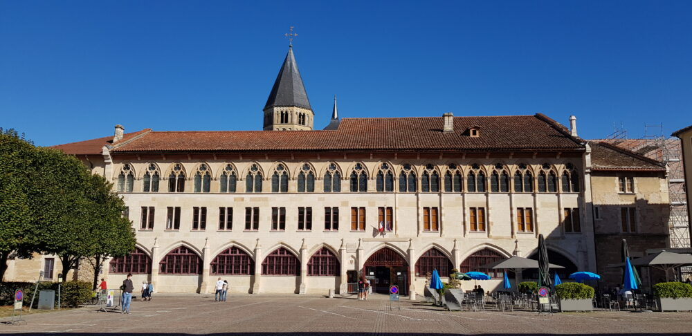 La façade du palais du Pape Gelase