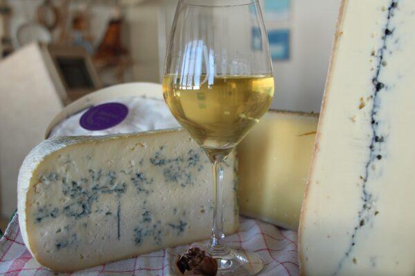 ViaCluny.fr Fromages vins Jura déguster Morbier Comté Bleu