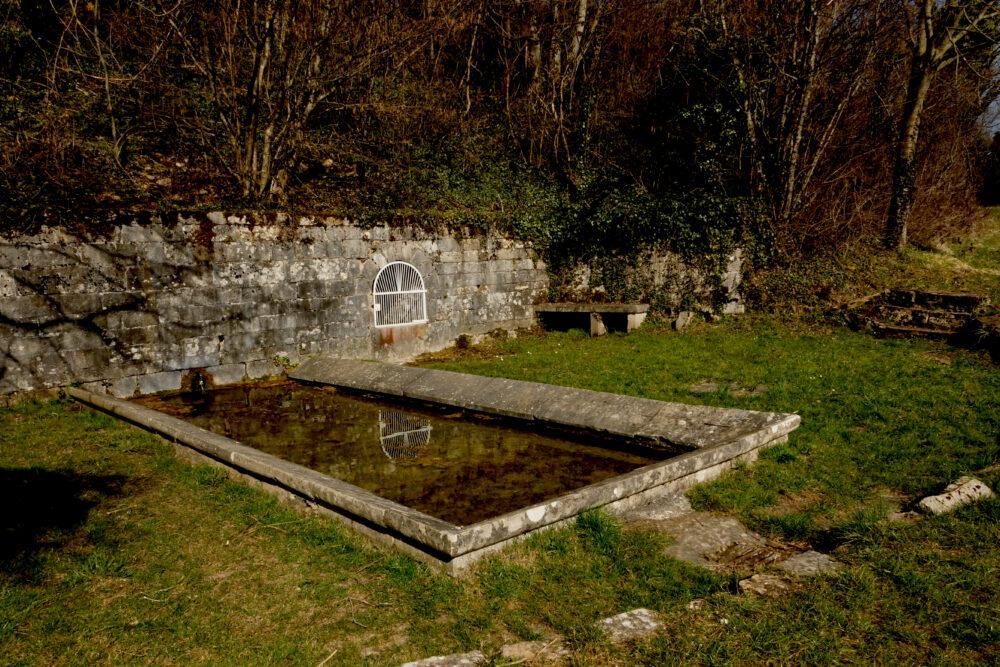 Le lavoir de Tuile (11ème siècle)