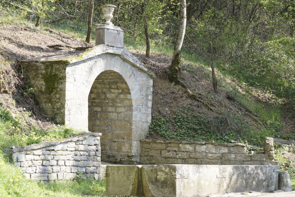 La fontaine de Chandelette