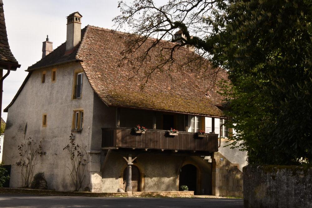 Maison du vieux village à Bevaix