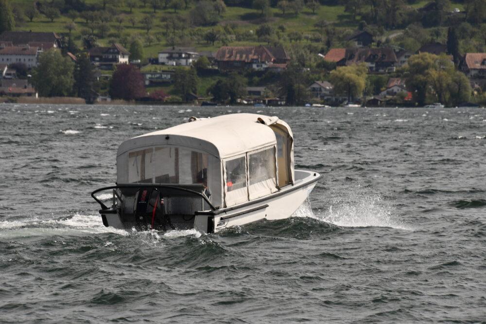 Navette entre l'île et Erlach