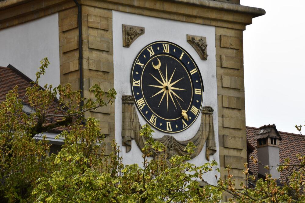 L'horloge de la porte de Morat