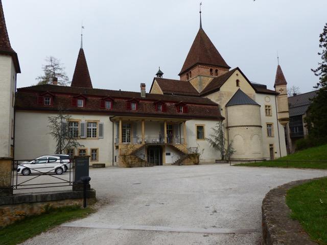 ...ancien prieuré clunisien