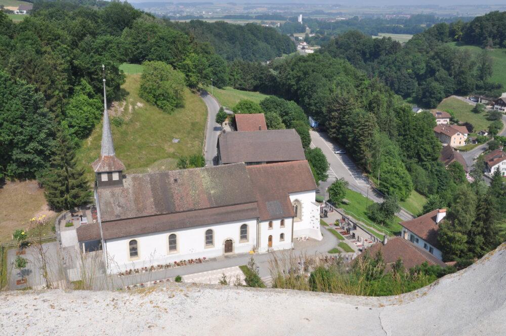 Notre-Dame du château à Montagny-les-Monts