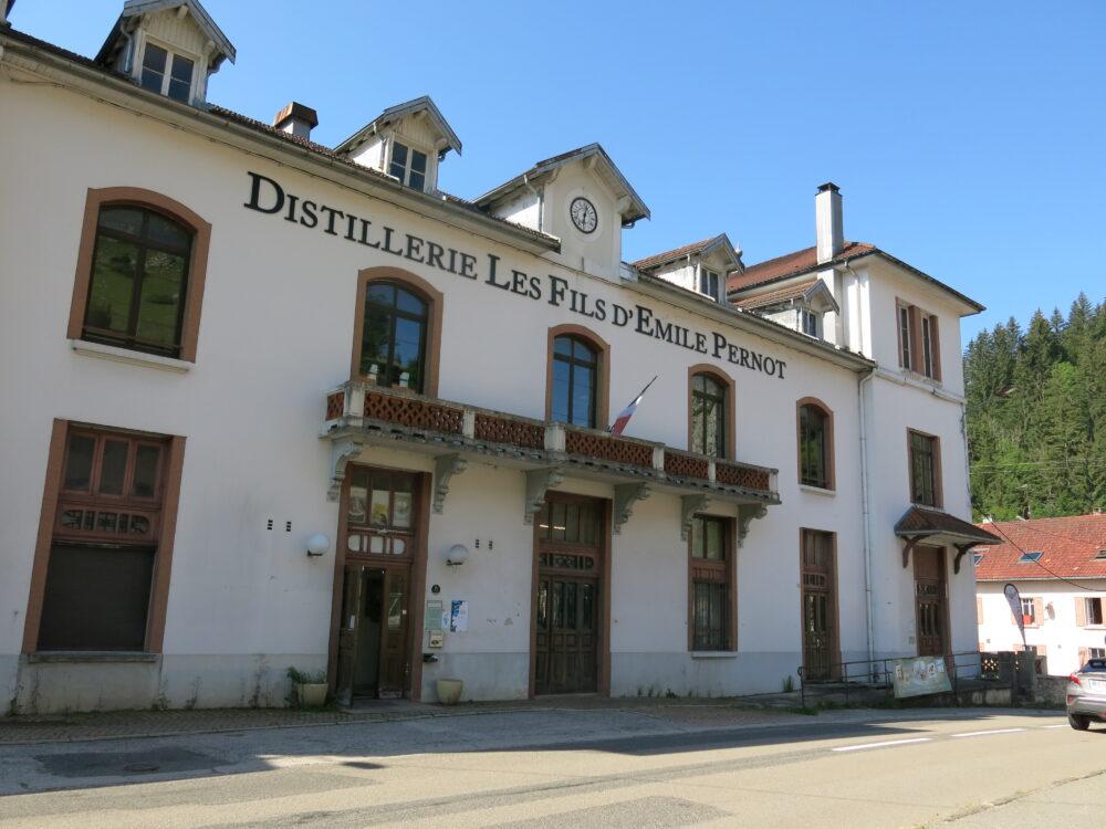 La distillerie Pernot